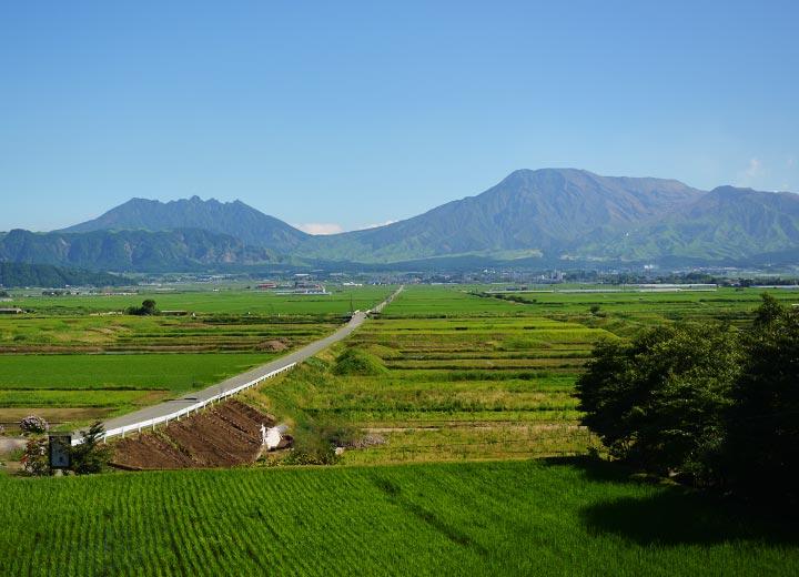 のどかな田園風景の広がる、阿蘇市一の宮町手野地区。