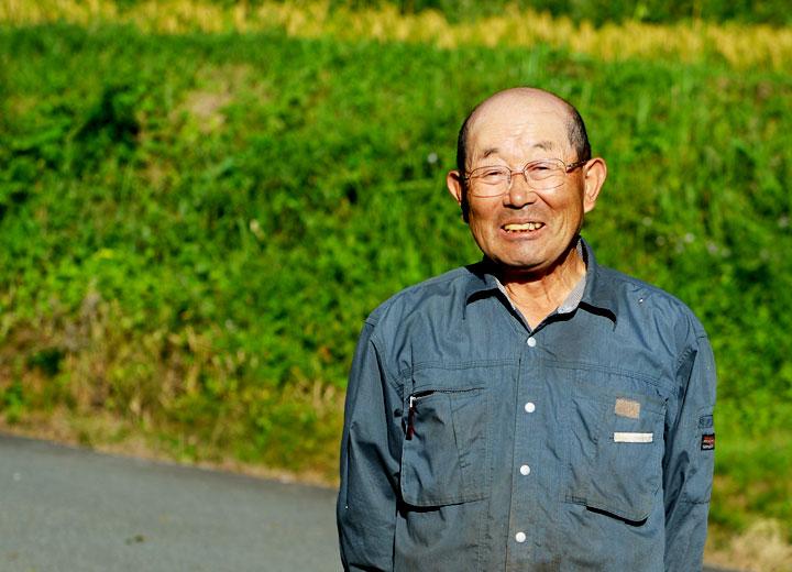 生産者の酒井忠晃さん。以前は産山村の村議会議長を務めていたこともある。