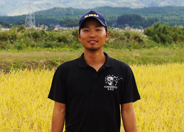 下村農園の代表である下村委也さん。農家としては超若手の27歳の青年。